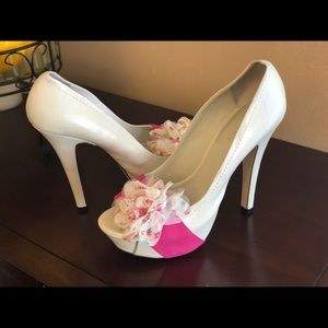 Pearl flower accent heels